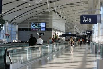 detroit-airport-at-6am-1563949